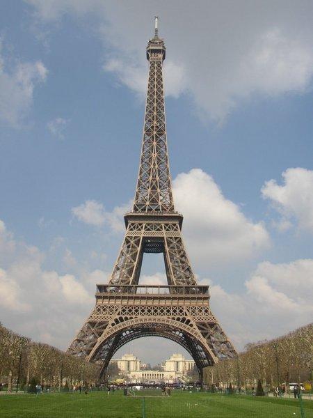 La tour eiffel modelis e en 3d etrange et insolite - Les dimensions de la tour eiffel ...