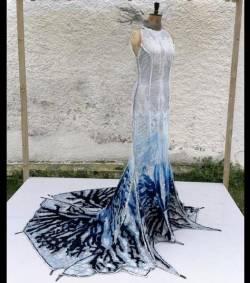 Une robe d\u0027un nouveau genre, baptisée « Herself », aurait la capacité de  purifier l\u0027air qui l\u0027entoure, et ce grâce aux matériaux spéciaux qui la  composent.