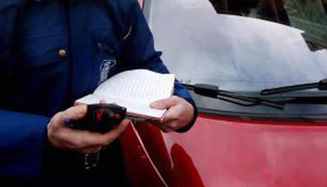 Le gendarme jetait les pv dans la broyeuse papier - Broyeuse de papier ...