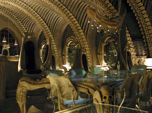 The United States of the Solar System, A.D. 2133 (Deep State Nine) - Page 24 Hr-giger-bar-le-restaurant-alien