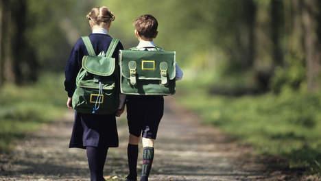 Un garçon de 10 ans du jour au lendemain en fille à l'école
