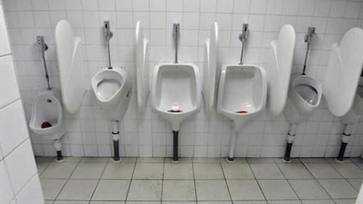 les hommes su 233 dois vont ils devoir uriner assis etrange et insolite