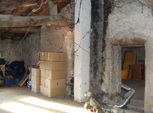 Une maison hantée à vendre pour 1 euro Mh4