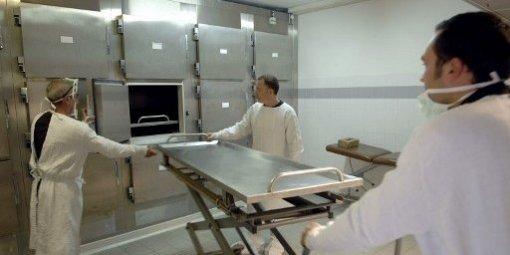 Plac vivant en chambre froide la morgue etrange et insolite - Chambre mortuaire hopital ...