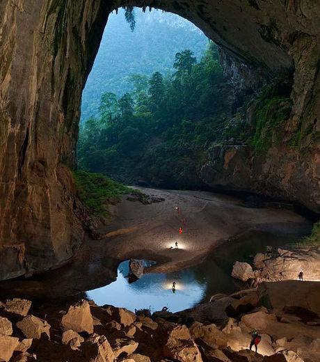 La grotte de Son Doong au Viêtnam est la plus grande du monde