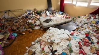 Des déchets qui s'étendent dans tout l'appartement   Photo : Ouest-France