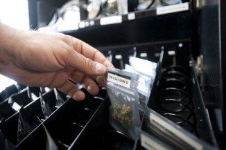 AFP/AFP/Archives - De la marijuana en vente à Vancouver le 12 mai 2014