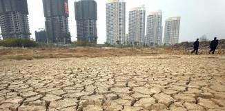 Le fleuve Gan (Chine) complètement asséché à cause du réchauffement climatique. STR