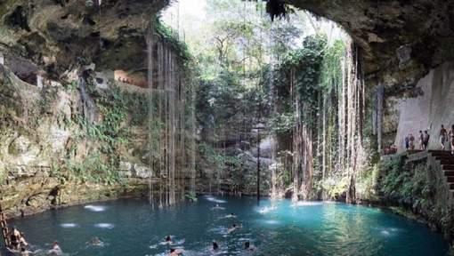 Les cénotes (Mexique): si vous vous rendez près de la péninsule du Yucatan, vous n'avez pas le droit de passer à côté de cet endroit fabuleux. © (Twitter).