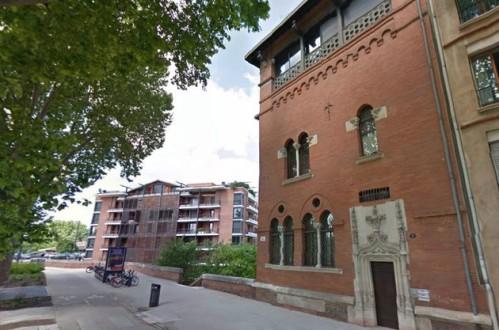 Pendant longtemps, la maison située au 1 allées Paul Feuga à Toulouse a été considérée comme hantée. Les rumeurs les plus folles ont circulé à son sujet. (Photo Google Street View)