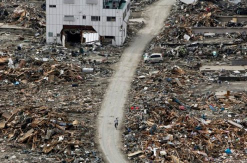 Dans la ville Ishinomaki, en avril 2011. (photo: Keystone)