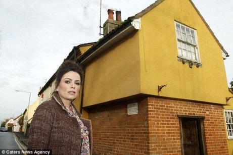 La maison la plus hantée de Grande-Bretagne est à vendre après que propriétaire repéré le fantôme d'un bouc satanique, Daily mail