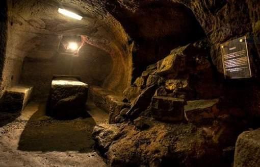 Si Julian Spalding a raison, on pourrait parler d'une découverte patrimoniale majeure. Ce serait la première preuve archéologique suceptible de décrire le sacerdoce sophistiqué des druides. Gilmerton pourrait être inscrit au patrimoine mondial de l'Unesco. © (Twitter).