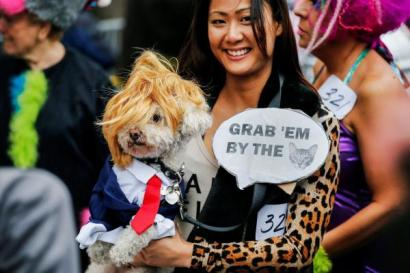 Un des costumes favoris de 2016: Donald Trump en version canine, Photo : Reuters