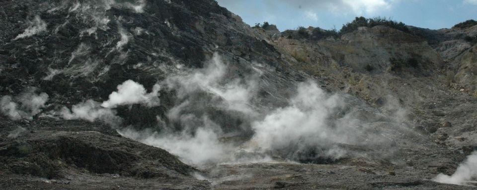 Un volcan risque de se reveiller en Italie 12