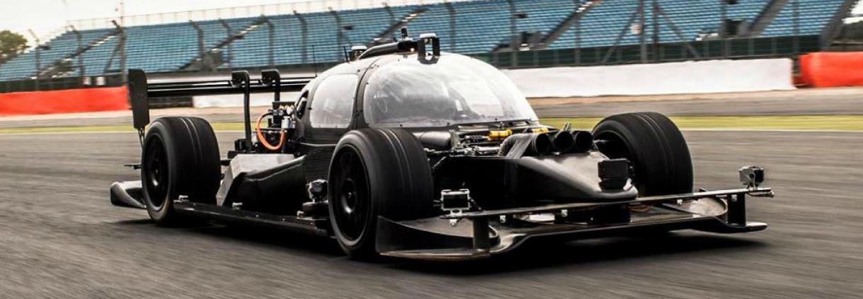 un tour de circuit bord de la voiture de course autonome vid o etrange et insolite. Black Bedroom Furniture Sets. Home Design Ideas