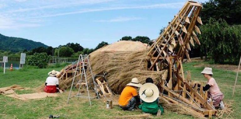 Au Japon, on sculpte la paille de riz Capture15