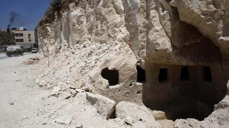 Des tombes romaines découvertes en Palestine ! By Jack35 124