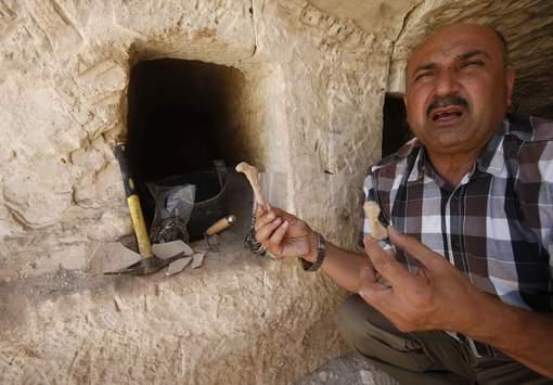 Des tombes romaines découvertes en Palestine ! By Jack35 410