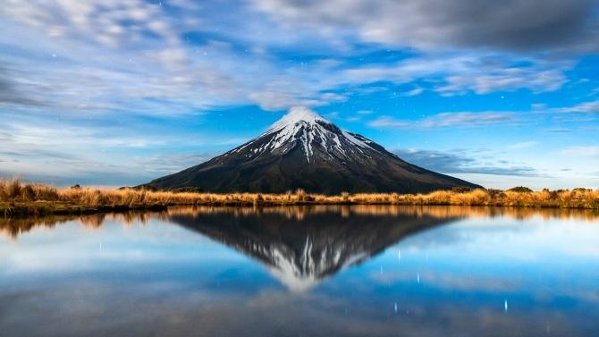 L'image du jour : Le Mont Taranaki à New Plymouth, Nouvelle-Zélande (vidéo sur Bidfoly.com) By Jack35 1-11