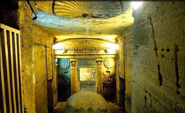 Egypte : les catacombes de Kom el-Shouqafa sauvées des eaux (vidéo) By Jack35 3-5
