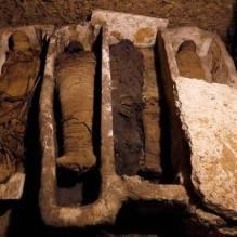 Les archéologues déterrent une tombe égyptienne ancienne avec plus de 30 momies (vidéo) By Jack35 7-6