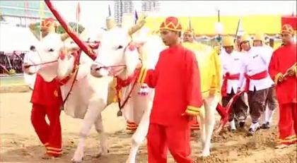 Fête du Sillon sacré en Thaïlande (vidéo) By Jack35 1-22