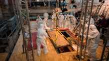 Un sarcophage vieux de 1000 ans ouvert en Allemagne (vidéo) By Jack35  1-24