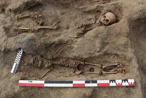 Pérou: le plus grand site de sacrifice rituel d'enfants déterrés par des archéologues (vidéo) By Jack35 1-73