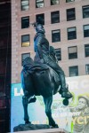Le contrepoint contemporain avec les anciens monuments confédérés dévoilé à Time Square (galerie et vidéo) By Jack35 4-10
