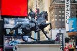 Le contrepoint contemporain avec les anciens monuments confédérés dévoilé à Time Square (galerie et vidéo) By Jack35 6-7