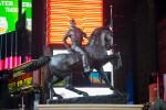 Le contrepoint contemporain avec les anciens monuments confédérés dévoilé à Time Square (galerie et vidéo) By Jack35 7-8