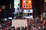 Le contrepoint contemporain avec les anciens monuments confédérés dévoilé à Time Square (galerie et vidéo) By Jack35 8-7