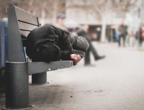 Sans-abri pendant 17 ans, Kenny raconte sa première nuit à la rue (vidéo) By Jack35 1-8