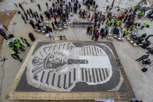 Une mosaïque pharaonique assemblée à Gizeh (vidéo) By Jack35 1-70
