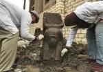« Rare » découverte d'un buste de Ramsès II (vidéo) By Jack35 4-2