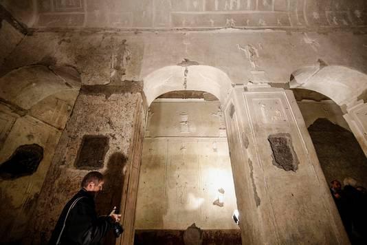 Une mystérieuse basilique païenne dévoilée à Rome (diaporama & Vidéo sur Bidfoly.com) By Jack35 4-3