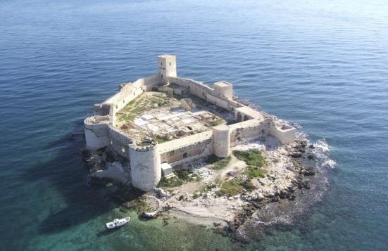 Les origines mystérieuses du château de Maiden (vidéo) By Jack35 1