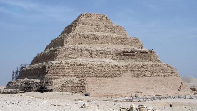 Égypte : fin de la rénovation de la pyramide de Djoser (vidéo) By Jack35 1-24