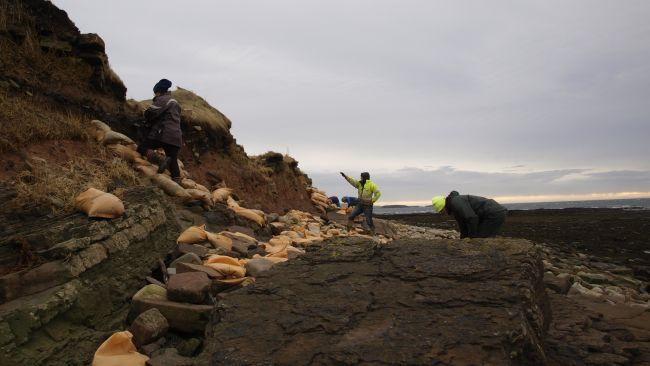 Des tempêtes écossaises dénichent un cimetière datant de 1500 ans à l'époque des Vikings (vidéo) By Jack35 2-1.jpg-1