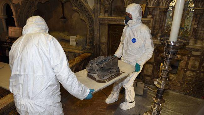 Des ossements trouvés dans une église sont les premiers vestiges vérifiés d'un saint anglais ! (vidéo) By Jack35 3-8