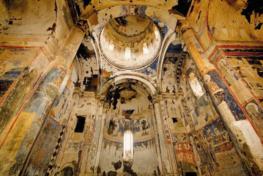La ville aux mille et une églises survit à travers ses ruines (vidéo) By Jack35 2-14