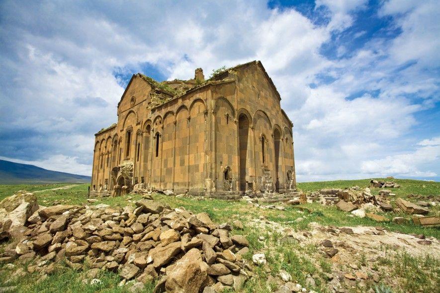 La ville aux mille et une églises survit à travers ses ruines (vidéo) By Jack35 4-13