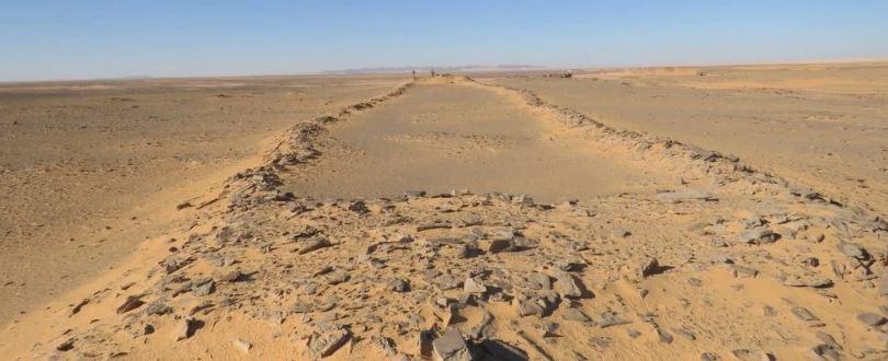 La première étude détaillée approfondit le mystère des vastes monuments de pierre en Arabie saoudite (vidéo) By Jack35 Capture-24