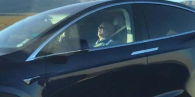 Il s'endort au volant de sa Tesla roulant à 150 km/h et se fait flasher (vidéo) By Jack35 1-42