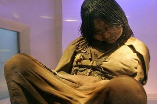 En Argentine, un musée dévoile une jeune fille gelée depuis longtemps (vidéo) By Jack35 1-57