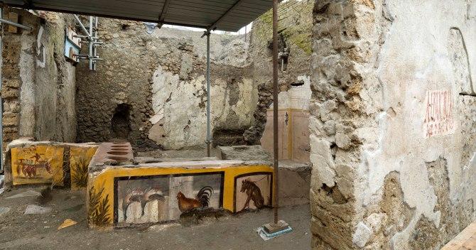 À Pompéi, un « fast-food » antique figé par la cendre du Vésuve (vidéo) By Jack35 1-78