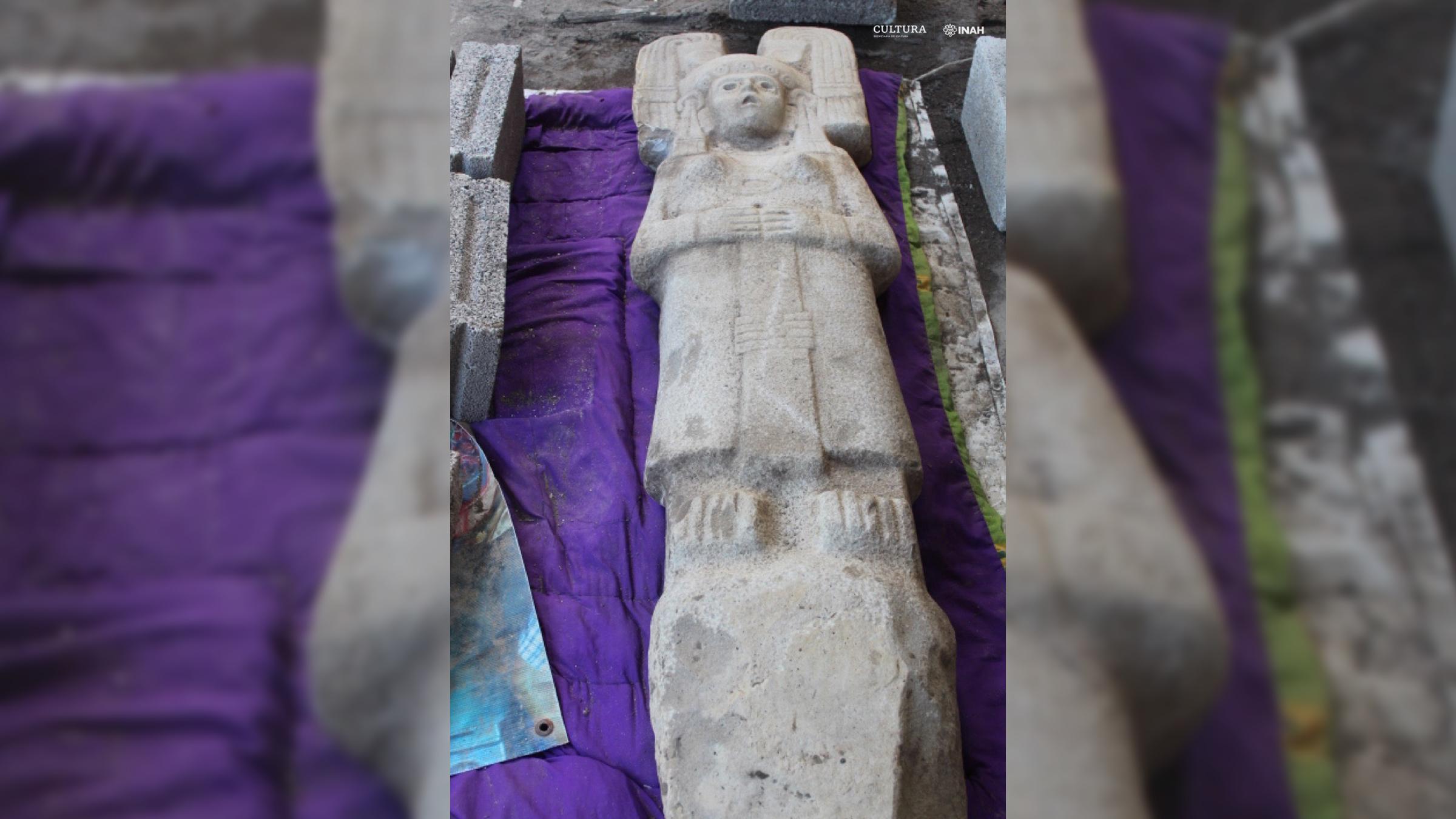 Mexique : statue d'une femme mystérieuse avec une coiffe semblable à celle de Star Wars (diaporama et vidéo) By Jack35 1-42