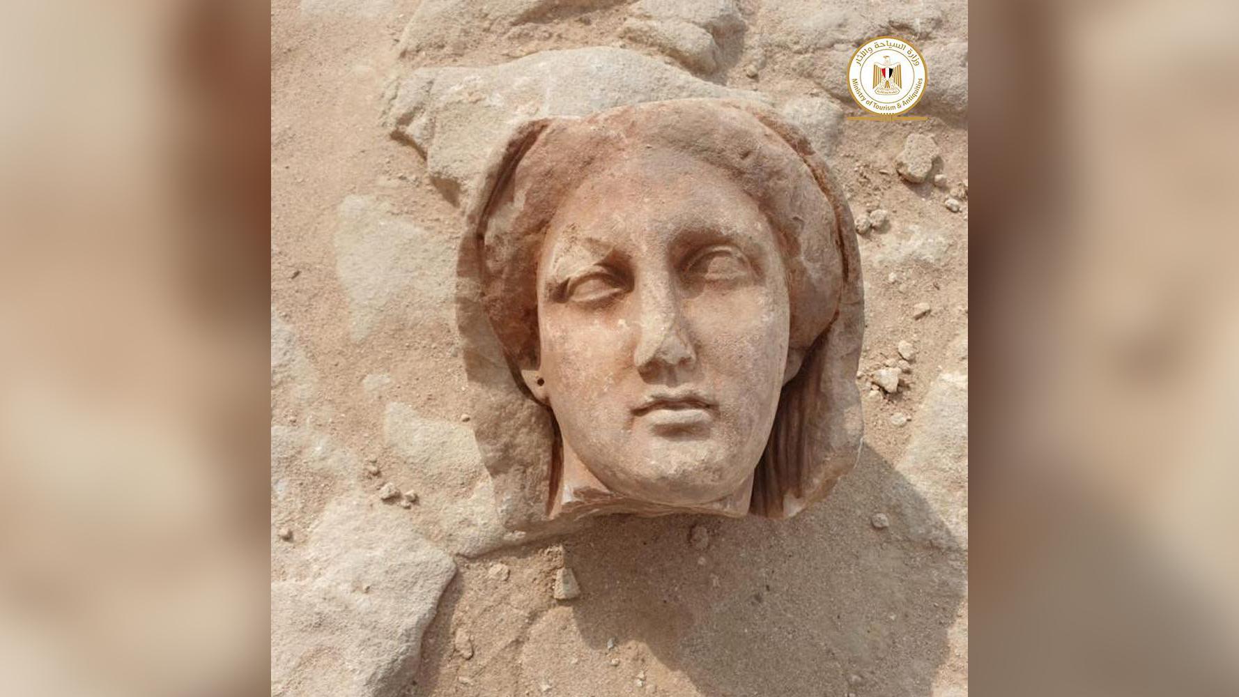 Une momie avec une langue d'or trouvée en Egypte (vidéo) By Jack35 2-3
