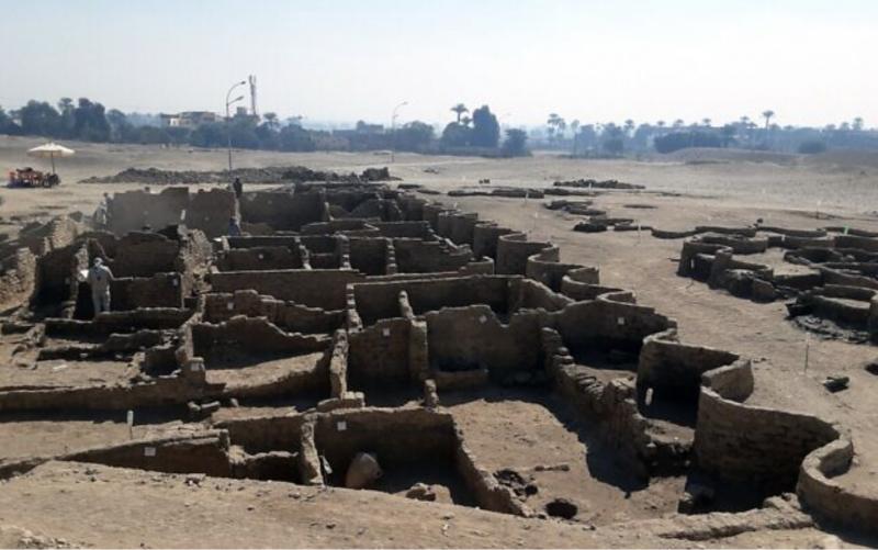 Egypte : découverte d'une  » Cité d'or perdue » vieille de 3 000 ans (galerie et vidéo) By Jack35 1-26